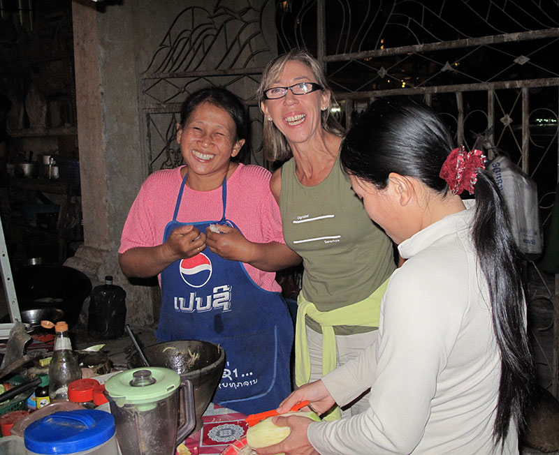 Herminia con la cocinera y su hija